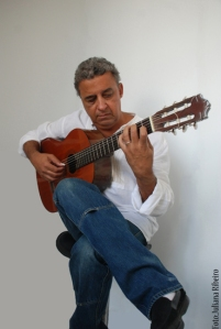 Marco Campos and his ten string guitar
