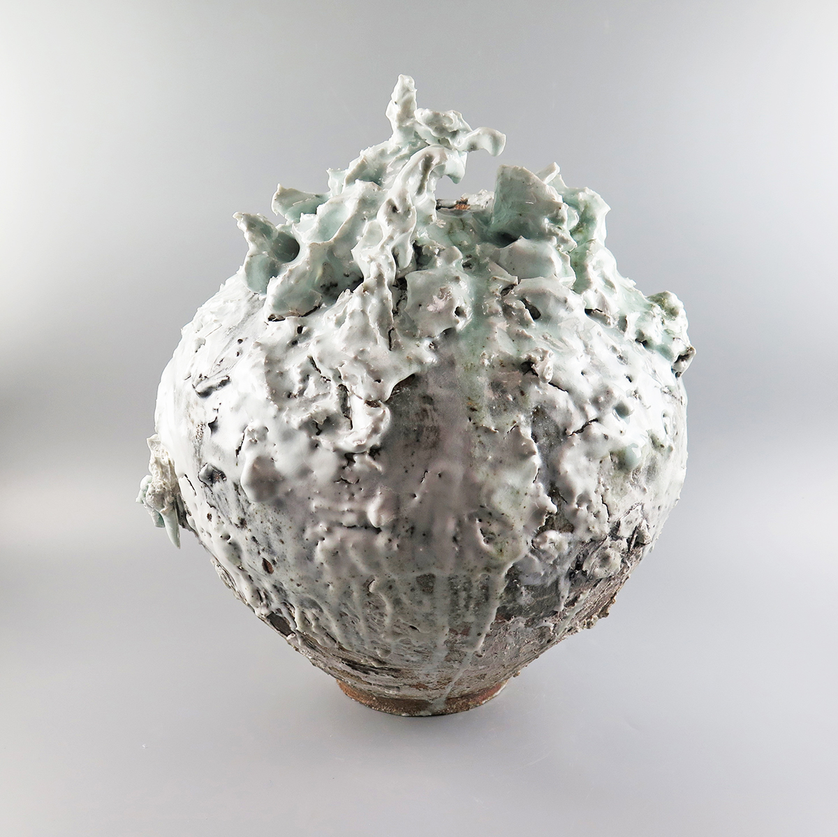 Akiko Hirai 1. Moon Jar Large height 51cm x diameter 50cm front view SOLD